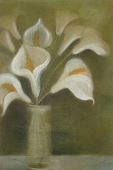 Tracey Harrington-Simpson - Pastel Calla Lilies In Glass Vase