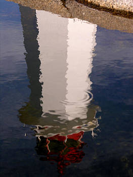 Robert Lozen - PEGGYS COVE LIGHTHOUSE REFLECTION 2