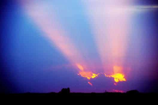 Eric Benjamin - Sun rays at Sunset