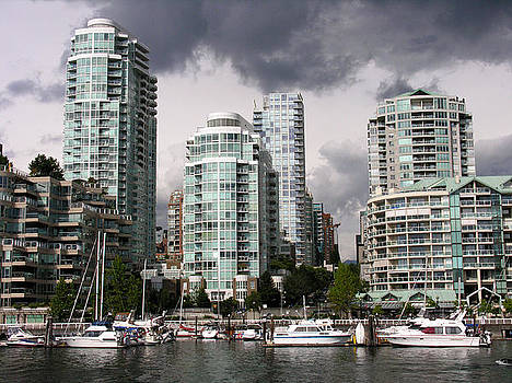 Robert Lozen - VIEW TO THE NORTH FROM GRANVILLE ISLAND