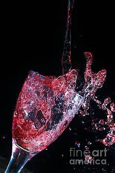 Simon Bratt Photography LRPS - Wine spillage frozen in time