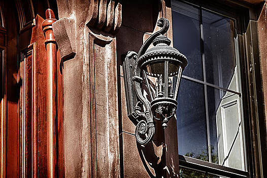Val Black Russian Tourchin -  HDR Brownstone Lamp