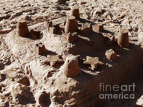 Xueling Zou - Castles Made Of Sand