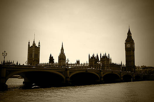 Kamil Swiatek - City of London Sepia