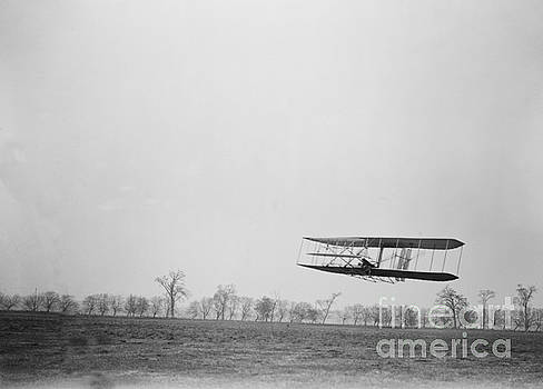 Science Source - Wilbur Wright Piloting Wright Flyer Ii