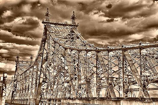 Val Black Russian Tourchin - 59 Street Bridge Before Sunset