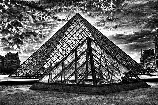 Chuck Kuhn - Blk Wht Louvre