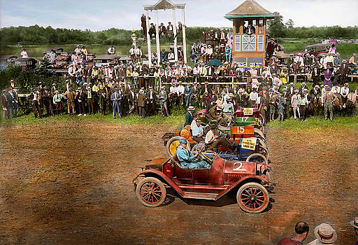 Mike Savad - Car - Race - On the edge of their seats 1915
