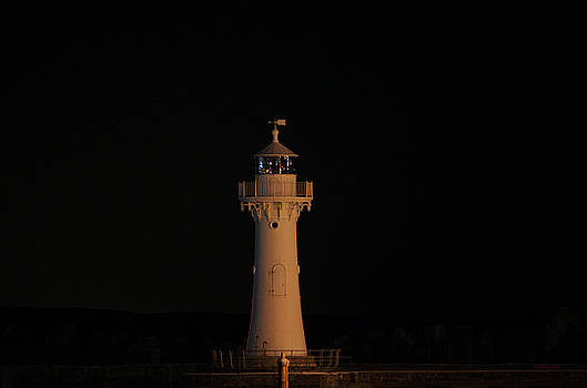 Cheryl Hall - Lighthouse NSW Australia
