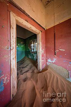 Inge Johnsson - Pink Room