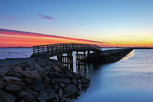 Juergen Roth - Plymouth Harbor Jetty