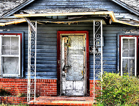 Emily Stauring - Porch of S