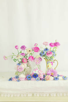 Susan Gary - Ranunculus with Love in a Mist