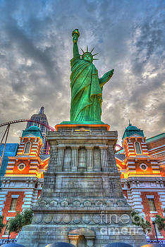 David Zanzinger - Statue of Liberty New York-New York Hotel 2