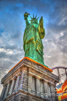 David Zanzinger - Statue of Liberty New York-New York Hotel 3
