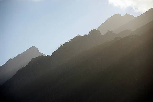 Sami Sarkis - Sunbeams on Mountain summits nearby Stellenbosch