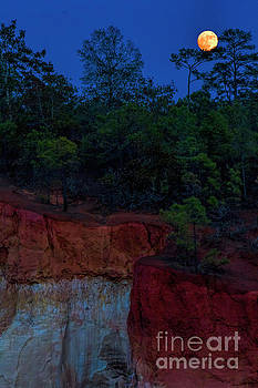 Barbara Bowen - Supermoon over Providence Canyon