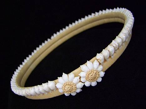 Mary Deal - Tahitian Sea Shell Haku