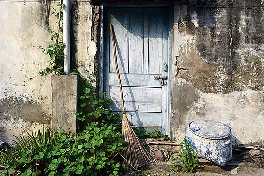 Sumit Mehndiratta - The  turquoise door