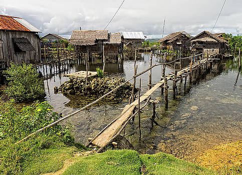 Paul W Sharpe Aka Wizard of Wonders - This is the Philippines No.10 - Pilar Fishing Village