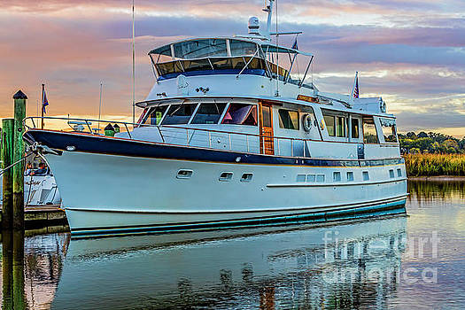 Doug Berry - Yacht Docked at Smithfield Station 5666T