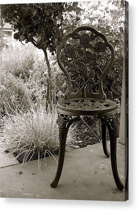 Garden Acrylic Print featuring the photograph Contemplation by Amy Strong