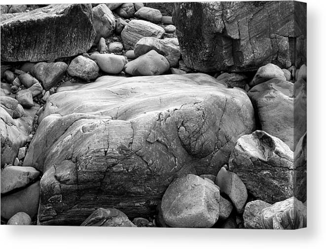 Black And White Canvas Print featuring the photograph Coastal Granite In Black And White by David Thompson