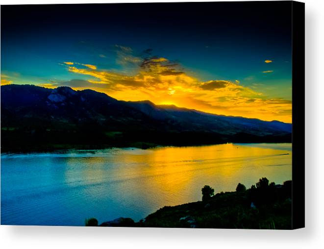 Sunset Canvas Print featuring the photograph Sunset At Horsetooth Reservoir by Harry Strharsky