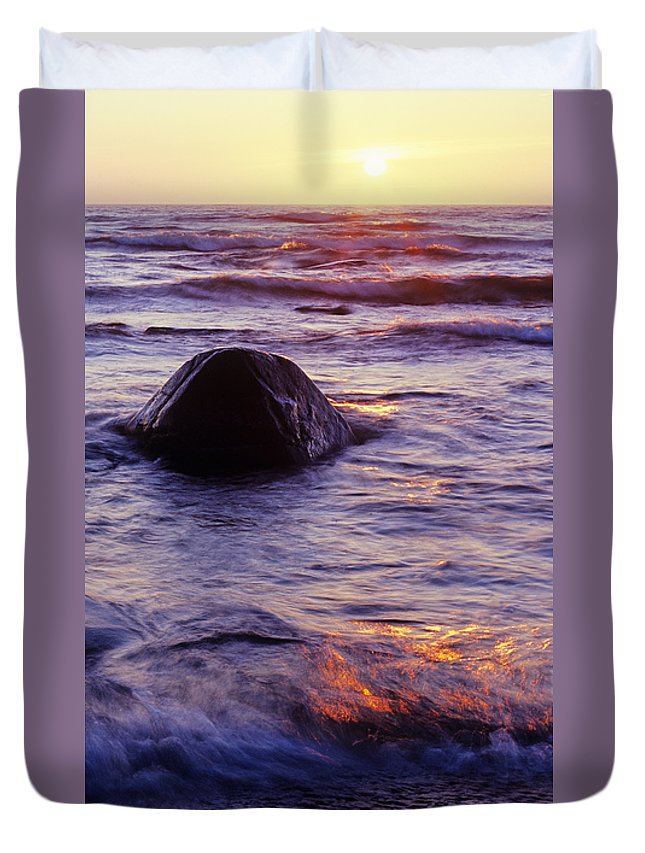 Abstract Duvet Cover featuring the photograph Sunset Lights by Konstantin Dikovsky