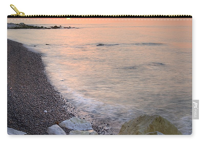 Dover Carry-all Pouch featuring the photograph Sunrise At The White Cliffs Of Dover by Ian Middleton