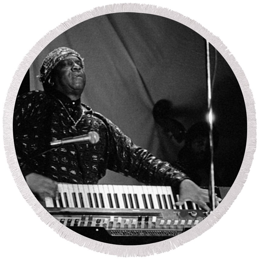 Sun Ra Round Beach Towel featuring the photograph Sun Ra 1 by Lee Santa
