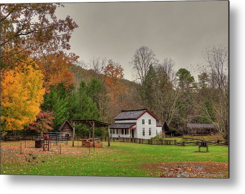 2010 Metal Print featuring the photograph Cable Mill House by Charles Warren