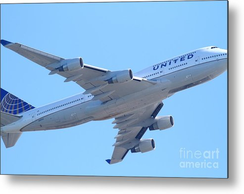 Transportation Metal Print featuring the photograph United Airlines Boeing 747 . 7d7838 by Wingsdomain Art and Photography
