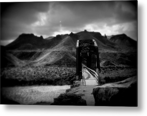 Black And White Metal Print featuring the photograph Bridge Over Snake River by Michael Draper