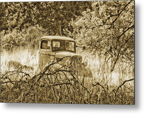 Vintage Metal Print featuring the photograph Old Truck by Linda McRae