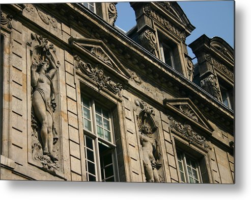 Metal Print featuring the photograph Paris - Architecture 2 by Jennifer McDuffie