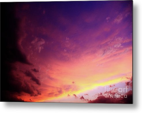 Sky Metal Print featuring the photograph Rolling In by Toni Hopper