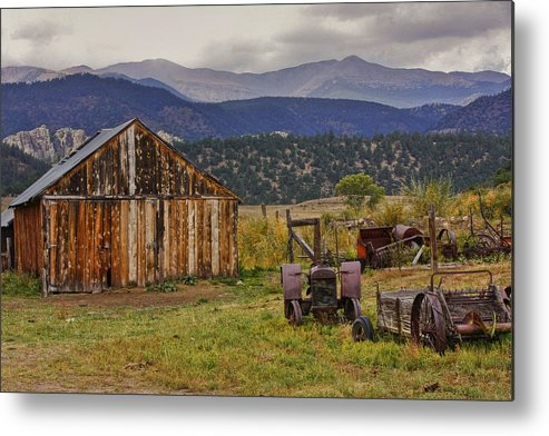 Black Mesa Metal Print featuring the photograph Spanish Peaks Ranch 2 by Charles Warren