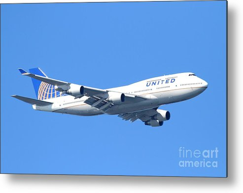 Transportation Metal Print featuring the photograph United Airlines Boeing 747 . 7d7850 by Wingsdomain Art and Photography