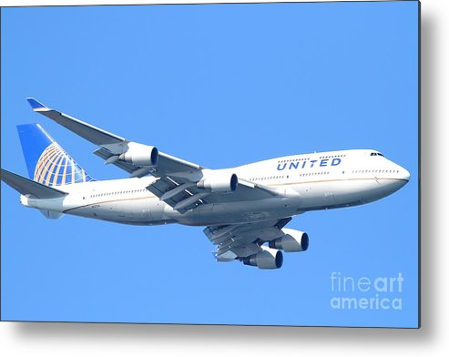 Transportation Metal Print featuring the photograph United Airlines Boeing 747 . 7d7852 by Wingsdomain Art and Photography