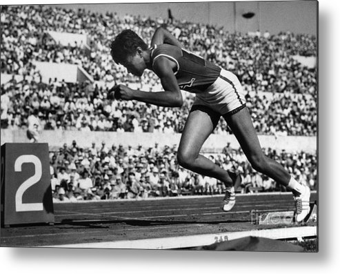 1960 Metal Print featuring the photograph Wilma Rudolph (1940-1994) by Granger