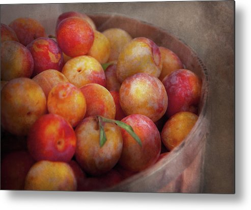 Hdr Metal Print featuring the photograph Food - Peaches - Farm Fresh Peaches by Mike Savad