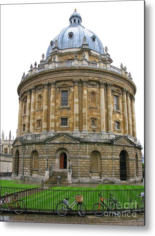 Oxford Metal Print featuring the photograph Radcliffe Camera by Ann Horn