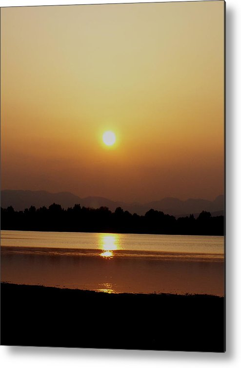 Digital Metal Print featuring the photograph Sunset 4 by Travis Wilson