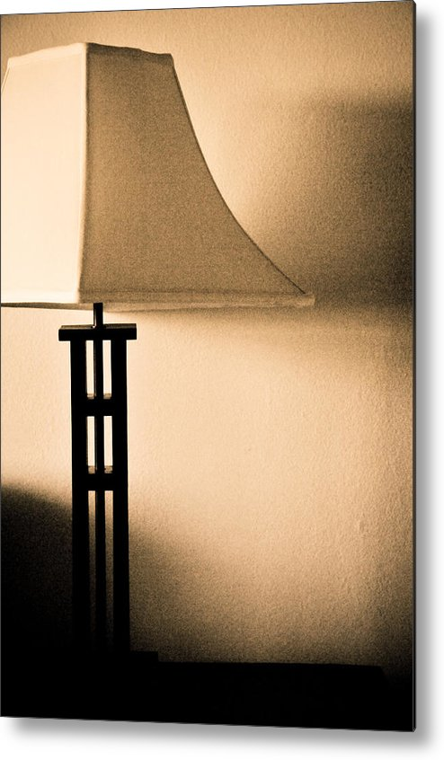 Lamp Metal Print featuring the photograph Lamp by Roberto Bravo