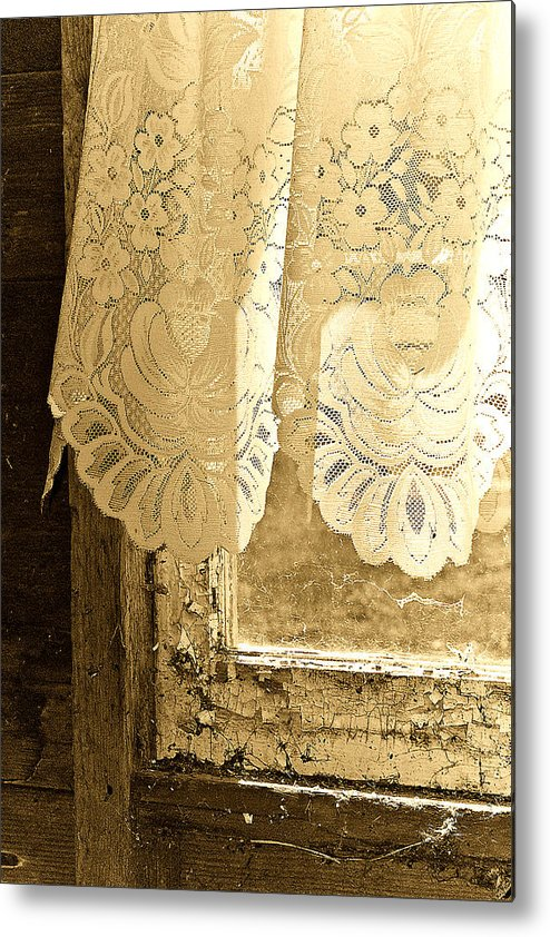 Lace Metal Print featuring the photograph Old Lace by Linda McRae