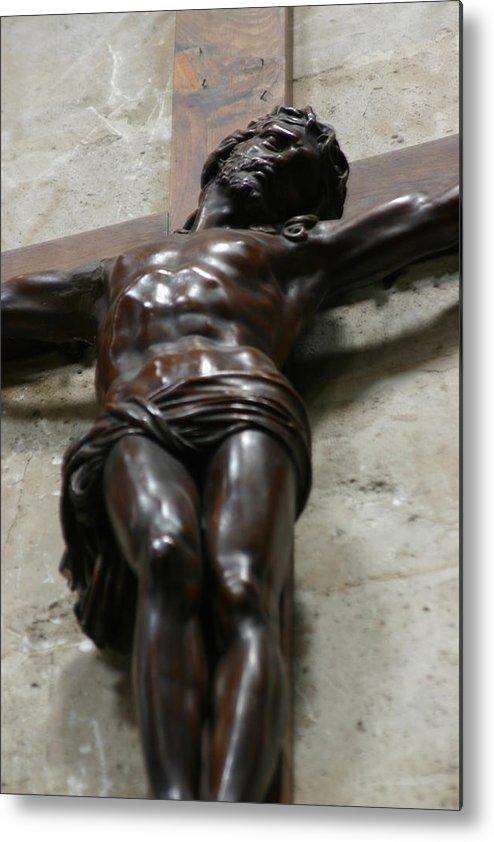 Metal Print featuring the photograph Paris - Jesus On Cross by Jennifer McDuffie