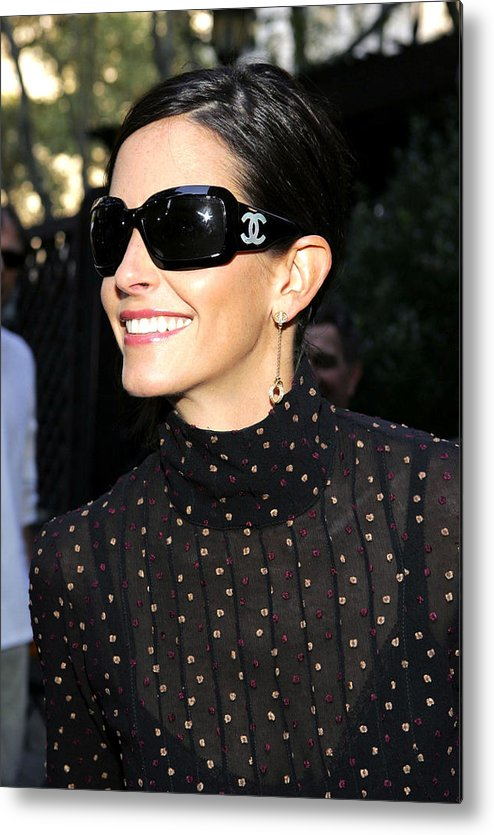 Kinerase Pro+therapy Skin Care Metal Print featuring the photograph Courteney Cox Wearing Chanel Sunglasses by Everett
