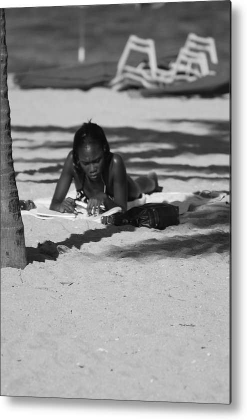 Black And White Metal Print featuring the photograph Homework At The Hollywood Beach by Rob Hans