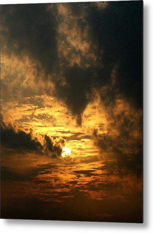 Daybreak Metal Print featuring the photograph Alter Daybreak by Rhonda Barrett